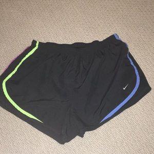 NIKE shorts Like new!!